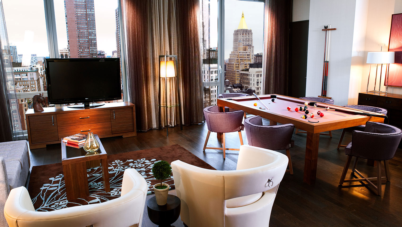 hotel suites in nyc kimpton hotel eventi a chelsea hotel. Black Bedroom Furniture Sets. Home Design Ideas